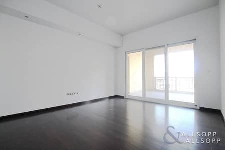 2 Bedroom Flat for Sale in Palm Jumeirah, Dubai - 2 Bed | D-Type | Low Floor | Immaculate