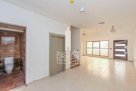 فیلا 4 غرف نوم للبيع في قرية جميرا الدائرية، دبي - Spacious 4 Bedroom with Balcony and Lift