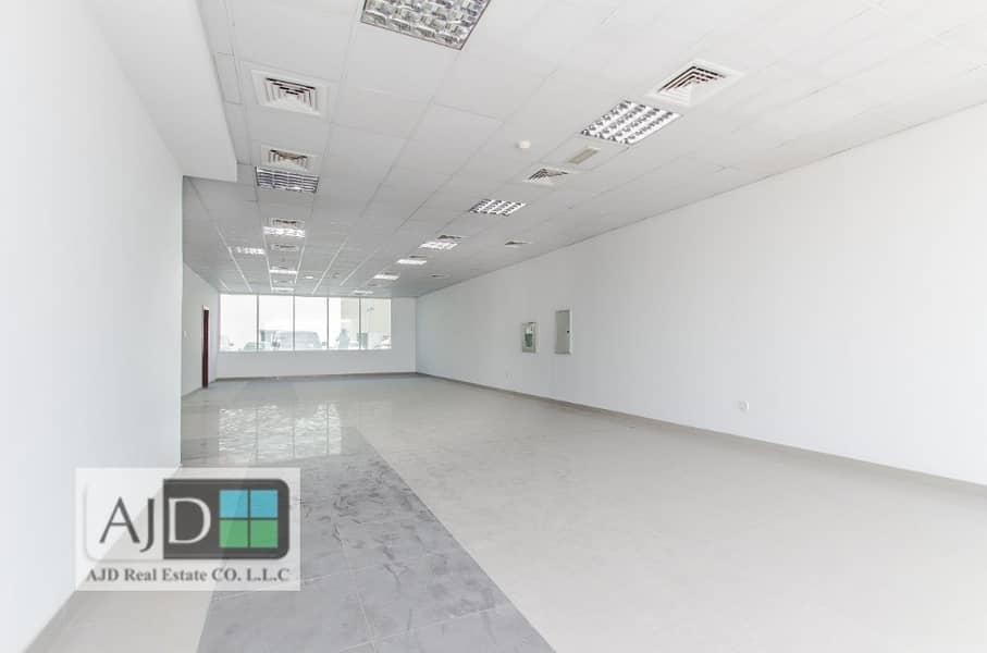 معرض تجاري في بناية AJD أم رمول 179680 درهم - 3764523