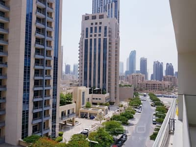 3 Bedroom Apartment for Rent in Downtown Dubai, Dubai - Luxurious 3 Bedroom plus Maid room l 2 Balconies l