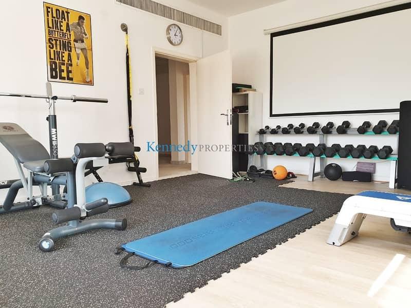 10 7 bedroom modern villa cornich area