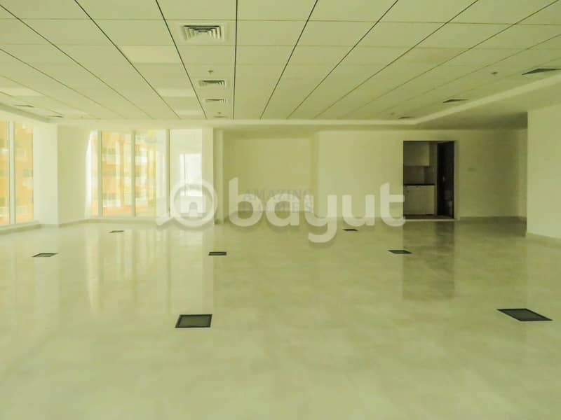 Huge Office with Balcony | Dubai Silicon Oasis