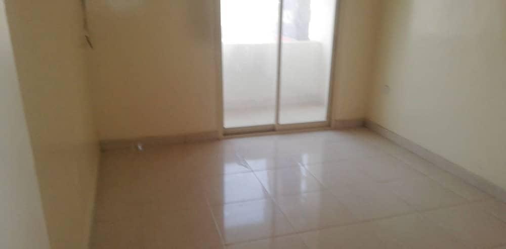 شقة في الزهراء 1 غرف 22000 درهم - 4207555