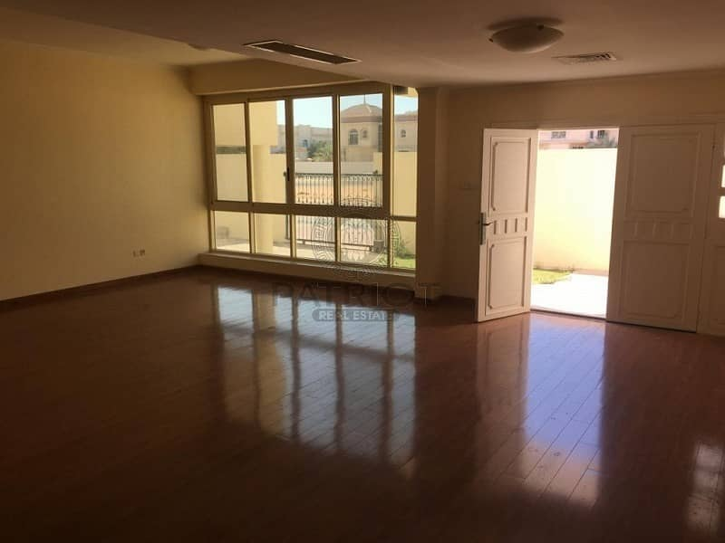 HOT DEAL 4BR MAIDS PRIVATE POOL OPP BOX PARK IN JUMEIRAH 2