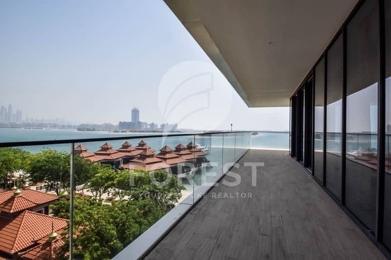 10 Elegant Penthouse with Full Sea View in Serenia