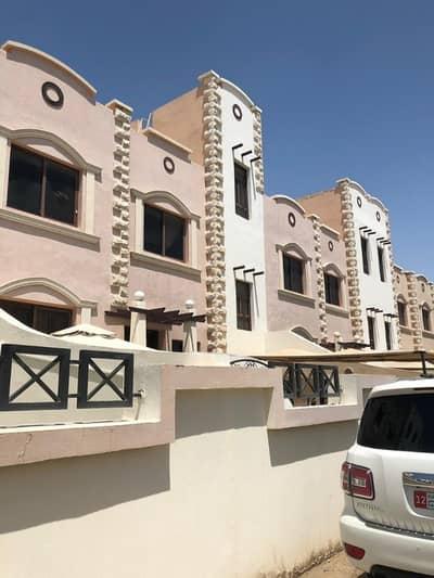 فیلا 4 غرفة نوم للايجار في مدينة محمد بن زايد، أبوظبي - villa 4 bedroom 5 bathroom maid room wash room full facilities in mbz