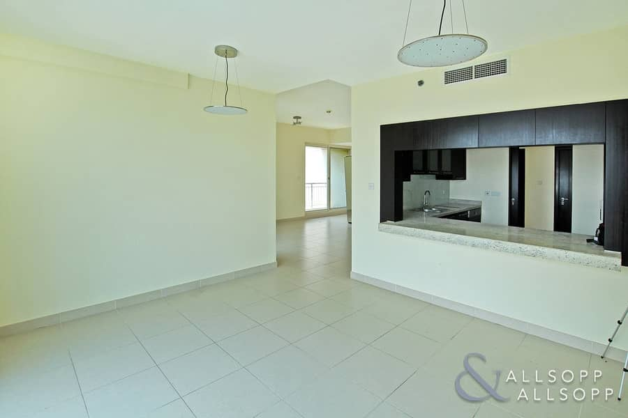 Vacant | Part Golf and Canal View | 2 Bed
