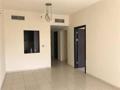 فلیٹ 1 غرفة نوم للايجار في المدينة العالمية، دبي - شقة في طراز فرنسا المدينة العالمية 1 غرف 33000 درهم - 4209845