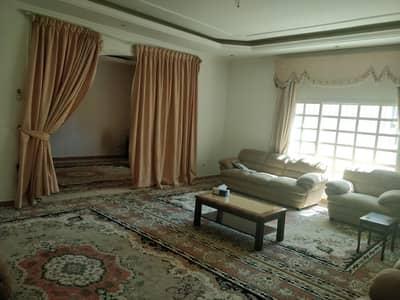 فیلا 4 غرفة نوم للبيع في القوز الشارقة، الشارقة - للبيع فيلا في القوز