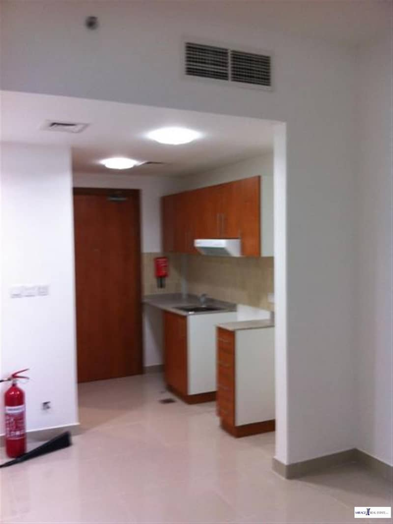 2 Cheap Studio in Lakeside Tower A Just in 23000