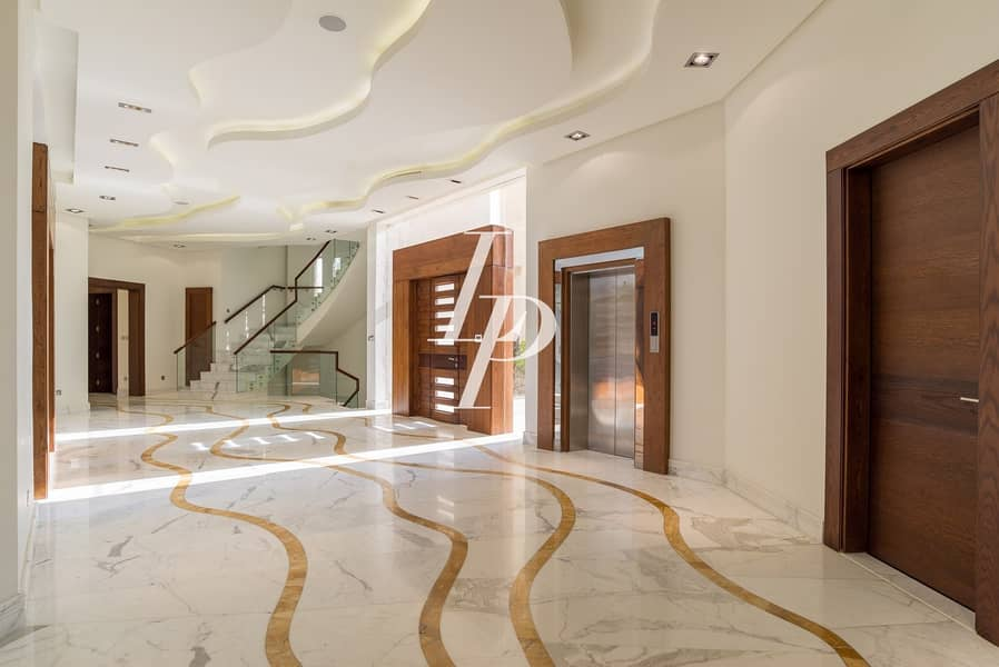 20 Gorgeous Six-Bed Villa in Emirates Hills Sector E