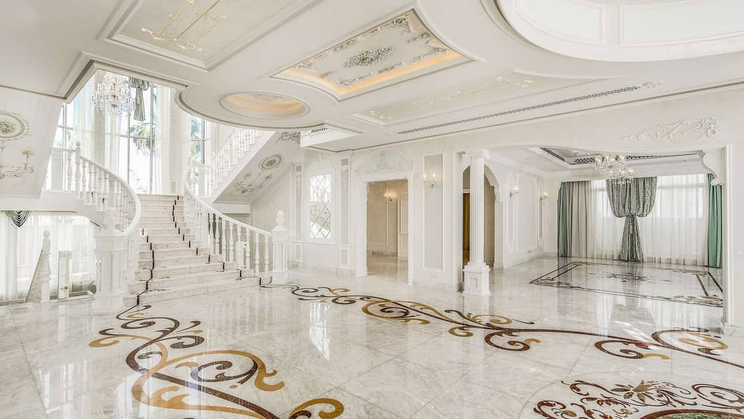 Stunning Regency Style Villa on Pearl Jumeriah.