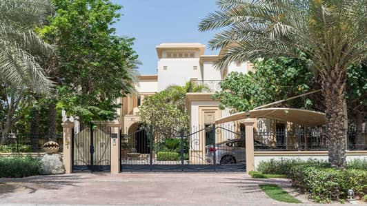 6 Bedroom Villa for Sale in Emirates Hills, Dubai - Pristine Six-Bedroom Villa in Sector W