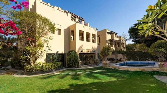 فیلا 6 غرفة نوم للبيع في البحيرات، دبي - 6 Bedroom Luxury Family Villa with Lake View at Hattan 2