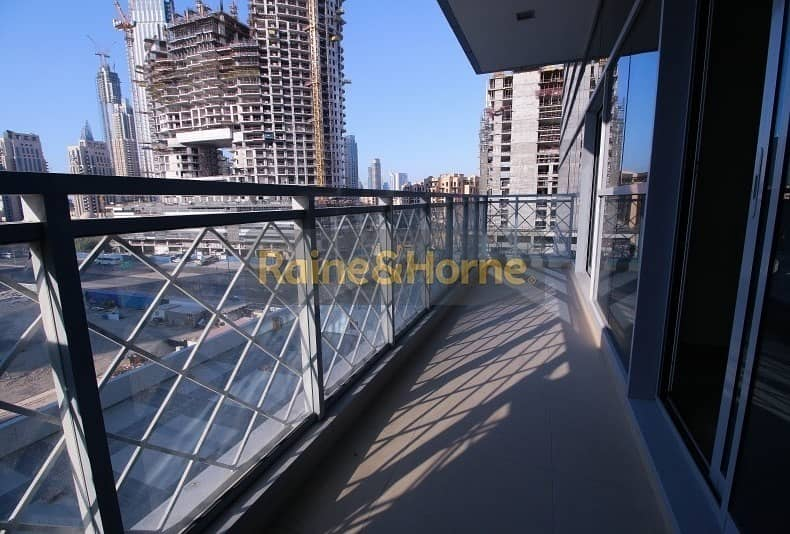 1 Spacious Bedroom with Balcony and Canal View