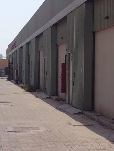 مستودع  للبيع في مصفح، أبوظبي - مستودع في المدينة الصناعية في أبوظبي مصفح 18000000 درهم - 4212403