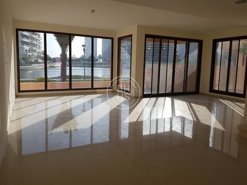 2 Full Lake View four bedroom townhouse