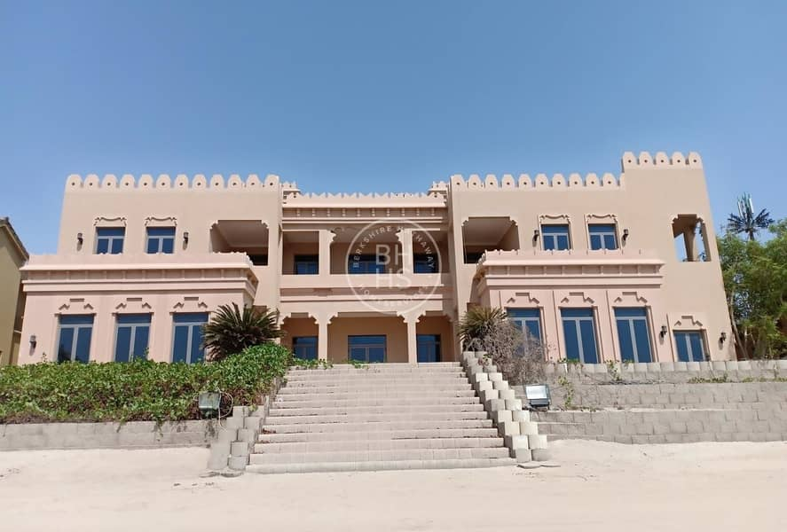 The Best Offer to Rent Signature Villa! 6 Bedrooms