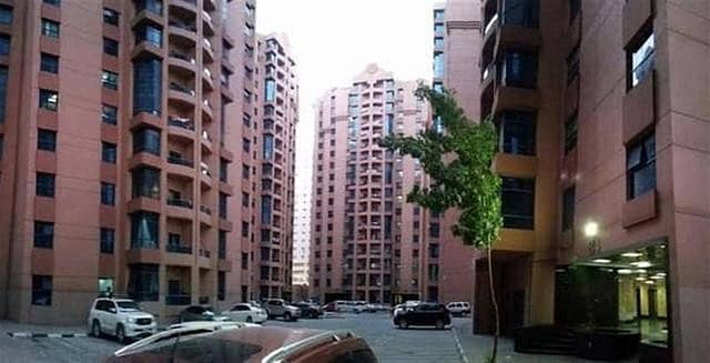 //1 BEDROOM / HALL/ STUDY ROOM BUEAITFUL DECORATED CLOSE KITCHEN EMPTY