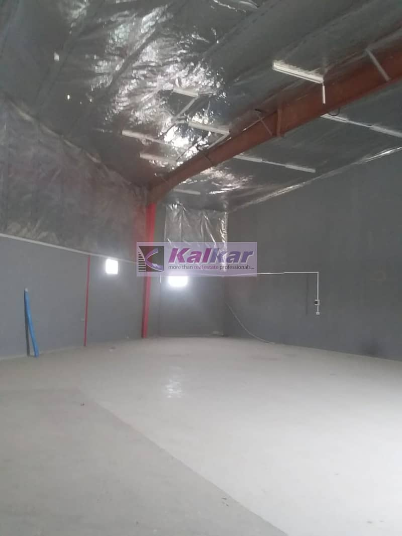 11 2600SQFT COMMERCIAL WAREHOUSE ON THE MAINROAD SUITABLE FOR SHOWROOM