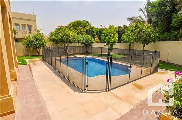 20 PRIVATE POOL / Neat Type 12 / Vacant Now