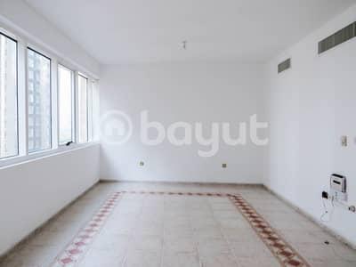 شقة 3 غرفة نوم للايجار في الدانة، أبوظبي - Hall/Living Room Image 1