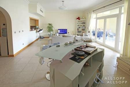 شقة 2 غرفة نوم للبيع في نخلة جميرا، دبي - New & Exclusive | 2 Bedrooms | Burj View