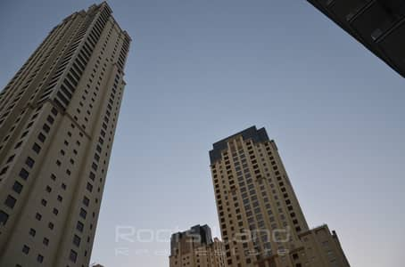 2 Bedroom Flat for Sale in Dubai Marina, Dubai - 2 Bedroom in A Top Quality Tower and Great Location