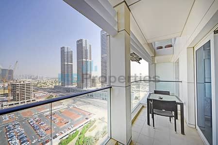 Top Tier Luxury 1 Bed Apt with Large Balcony and Lake View