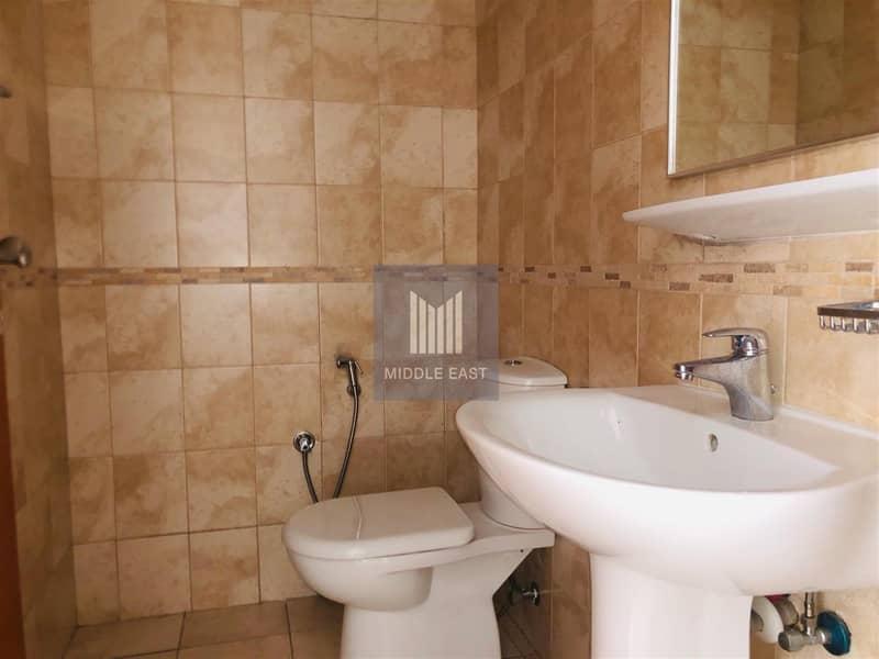 10 1 Bedroom Apartment available in Durrat AL Marsa in Dubai Marina.