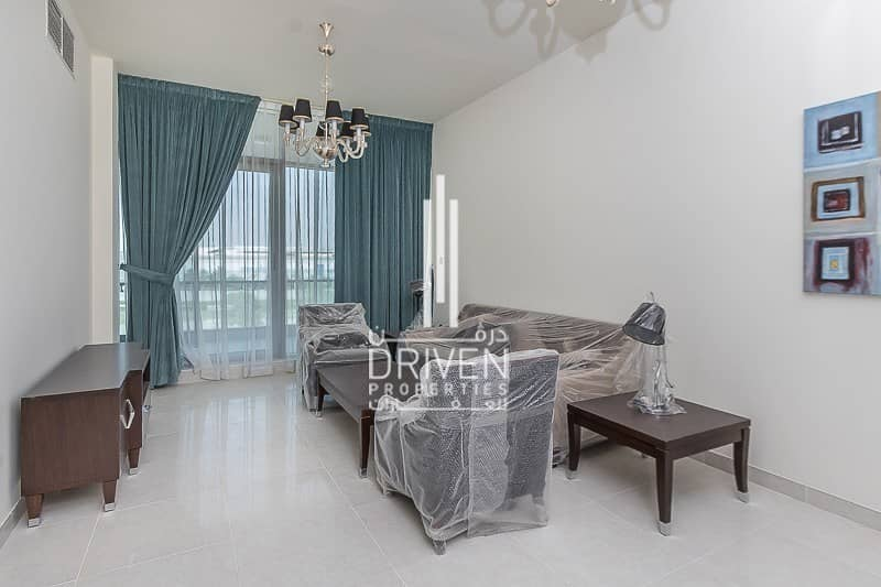 Spacious 2 Bedroom Unit with 2 Balconies