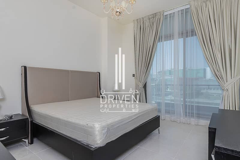 2 Spacious 2 Bedroom Unit with 2 Balconies