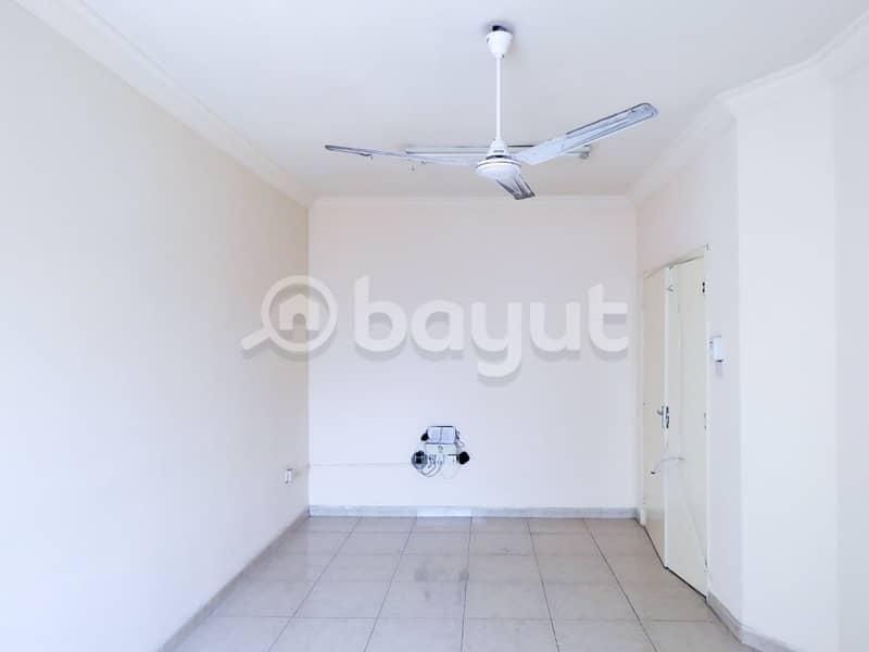 شقة في بناية ابتسام بهمان النباعة 3 غرف 24999 درهم - 4217748