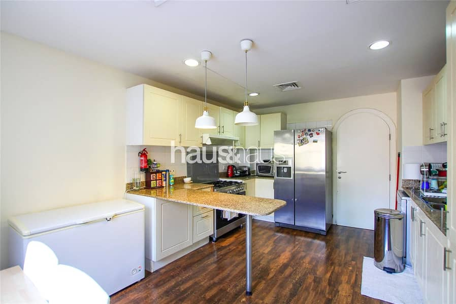 2 Rare Type 2E | Pool And Park View | Owner Occupied
