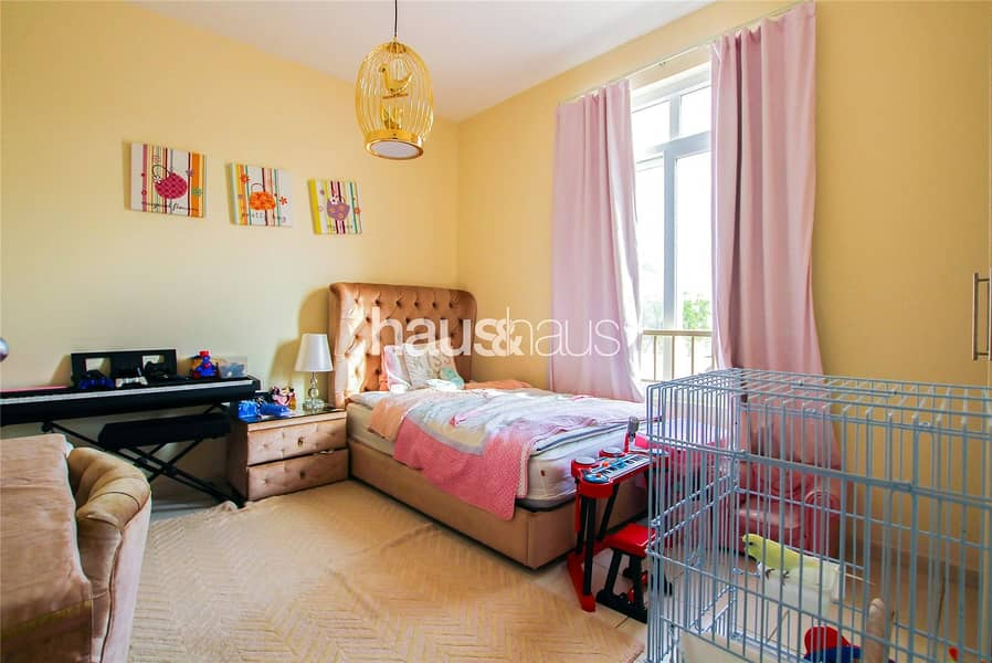 10 Rare Type 2E | Pool And Park View | Owner Occupied