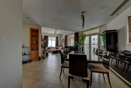 Luxury Furnished 3 Bedrooms Apartment w/ Balcony