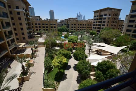 3 Bedroom Flat for Rent in The Greens, Dubai - Well Maintained 3 BR+Laundry / Facing Park
