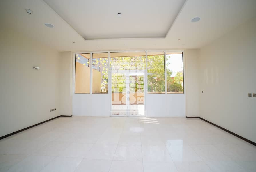2 Sea View   Large Terrace   Wooden Floor