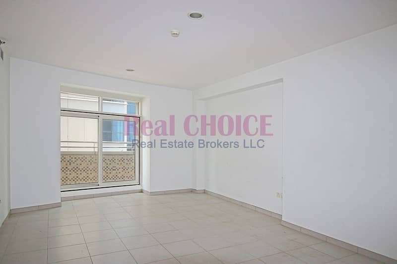 2 Payable in 4 Cheques|Vacant and ready to move in