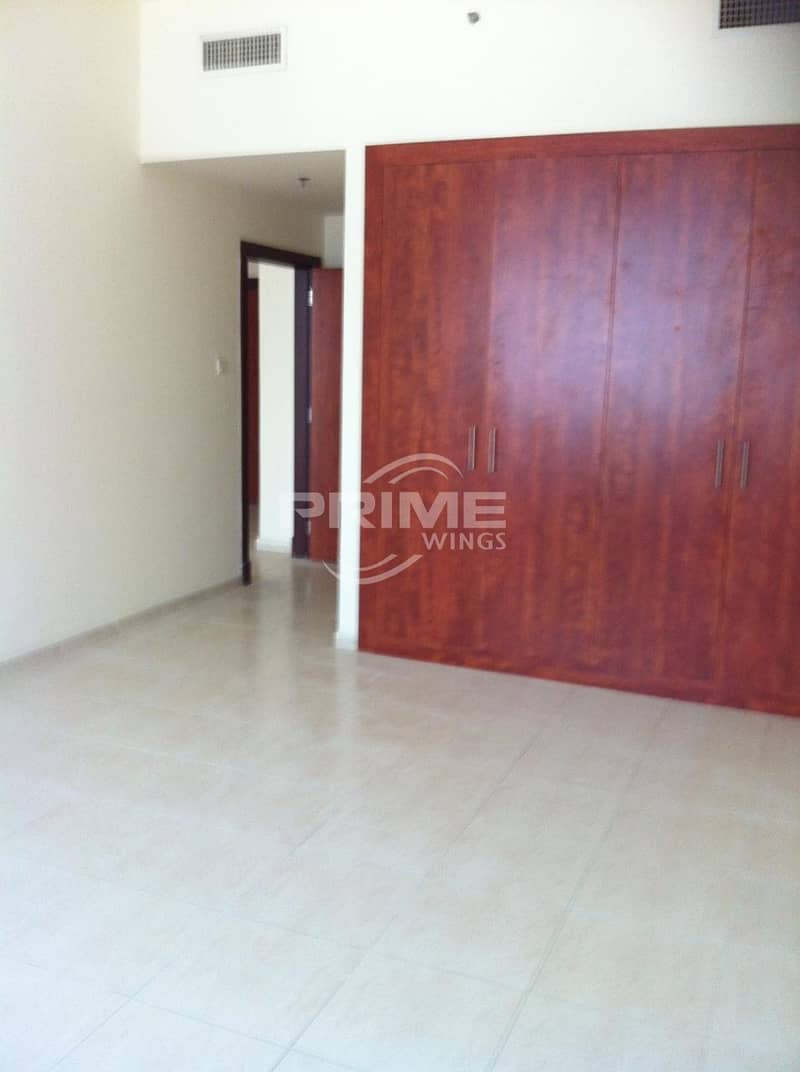 Good Price Large 1 Bedroom Apt in OP4