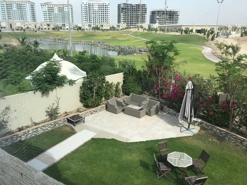 فیلا في ليفينغ ليجيند دبي لاند 5 غرف 150000 درهم - 4220225