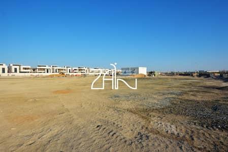 ارض سكنية  للبيع في جزيرة ياس، أبوظبي - Premium Sea View Plot West Yas For Sale