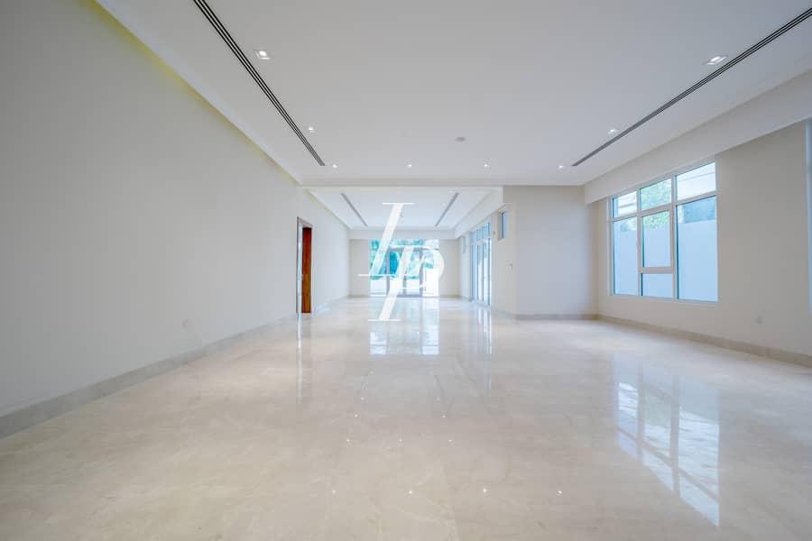 2 Huge Living Spaces|Three Floor Villa|Private Pool