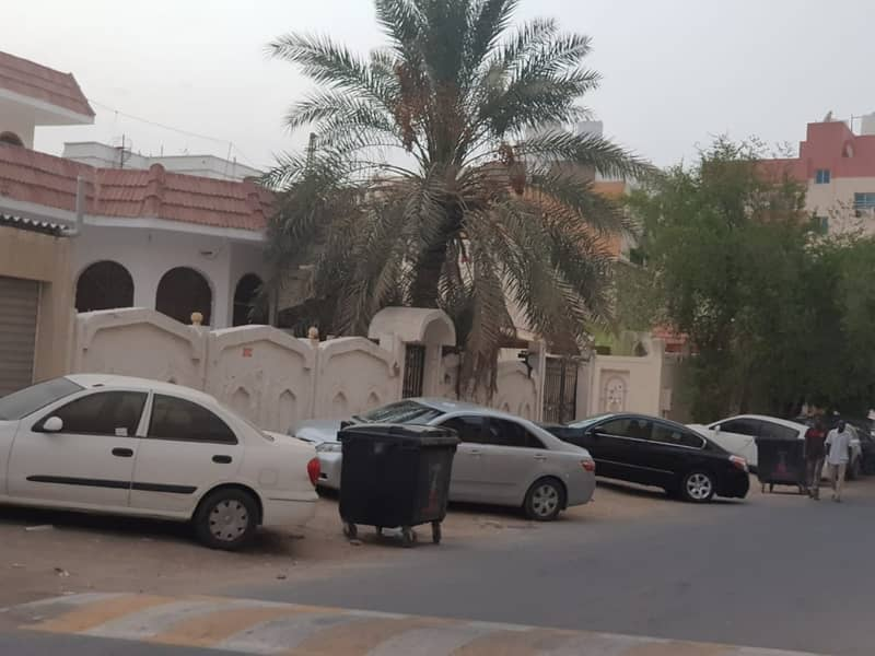 فیلا في النعيمية 1 النعيمية 3 غرف 42000 درهم - 4184000