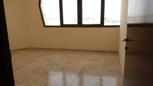 شقة 2 غرفة نوم للايجار في شارع الفلاح، أبوظبي - شقة في شارع الفلاح 2 غرف 55000 درهم - 4222620