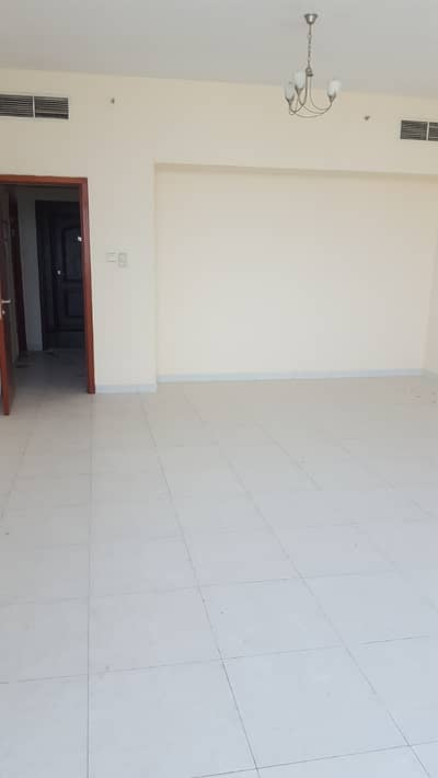 فلیٹ 2 غرفة نوم للبيع في عجمان وسط المدينة، عجمان - شقة في برج الصقر عجمان وسط المدينة 2 غرف 335000 درهم - 4226219