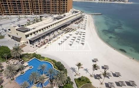استوديو  للبيع في نخلة جميرا، دبي - Premium Waterfront Studio with Beach Access
