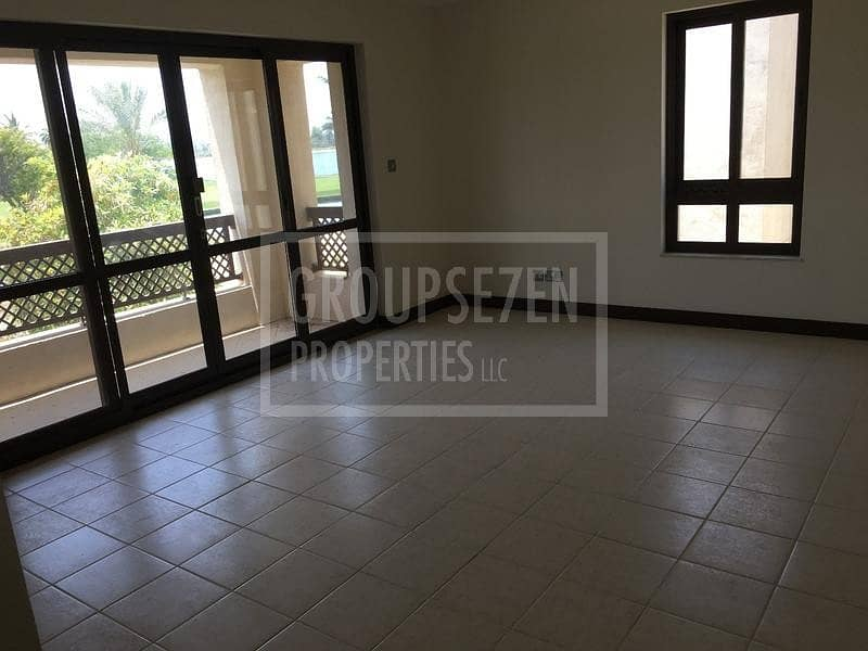 2 Lovely 4 Bed Villas w S P and golf view in Garhoud