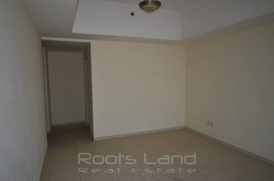 4 bedrooms facing Sheikh Zayed Road for rent