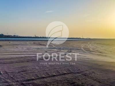 ارض سكنية  للبيع في لؤلؤة جميرا، دبي - Residential Plot G+1 in Luxury Island Nikki Beach